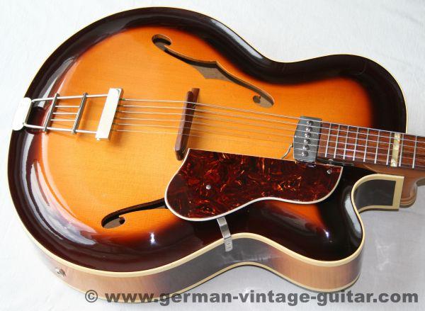 Jazz-/Schlaggitarre Roger Junior CA (Cutaway) von Februar 1957