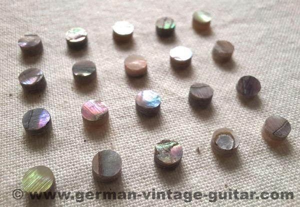 Echte Perlmutt-Dots / Griffbretteinlagen, 4 mm