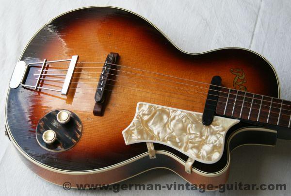 """Hollow Body E-Gitarre Rio aus der Schweiz, Modell """"Club"""" aus den fünfziger Jahren"""