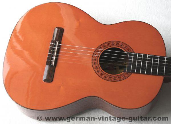 Spanische 4/4 Konzertgitarre Jorge Banus Lopez von 1982