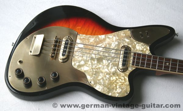 Framus Golden Strato Bass, 1973