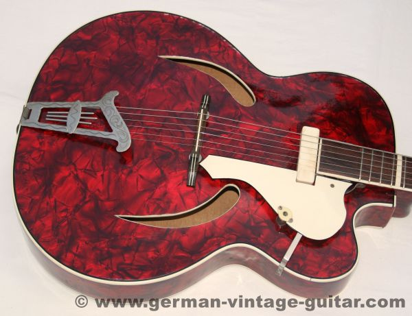 Migma Meister, Perloid Show-Gitarre, sechziger Jahre