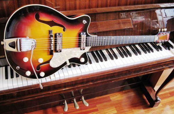 Fasan Thinline E-Gitarre aus den sechziger Jahren