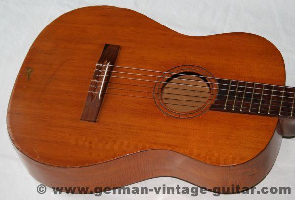 6-saitige Konzert-/Jugendgitarre Höfner 513 von 1967