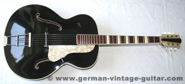 Höfner 458, 1957